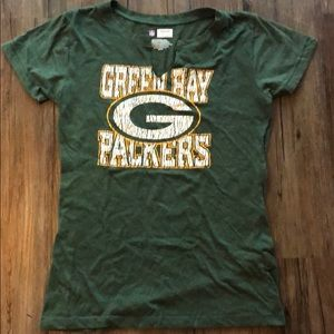 Tops - Women's fitted Green Bay Packer Tee